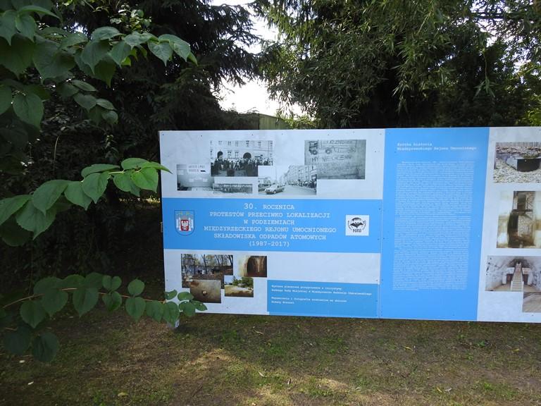 Ilustracja do informacji: Wystawa poświęcona 30. rocznicy protestów przeciwko składowaniu odpadów w MRU.