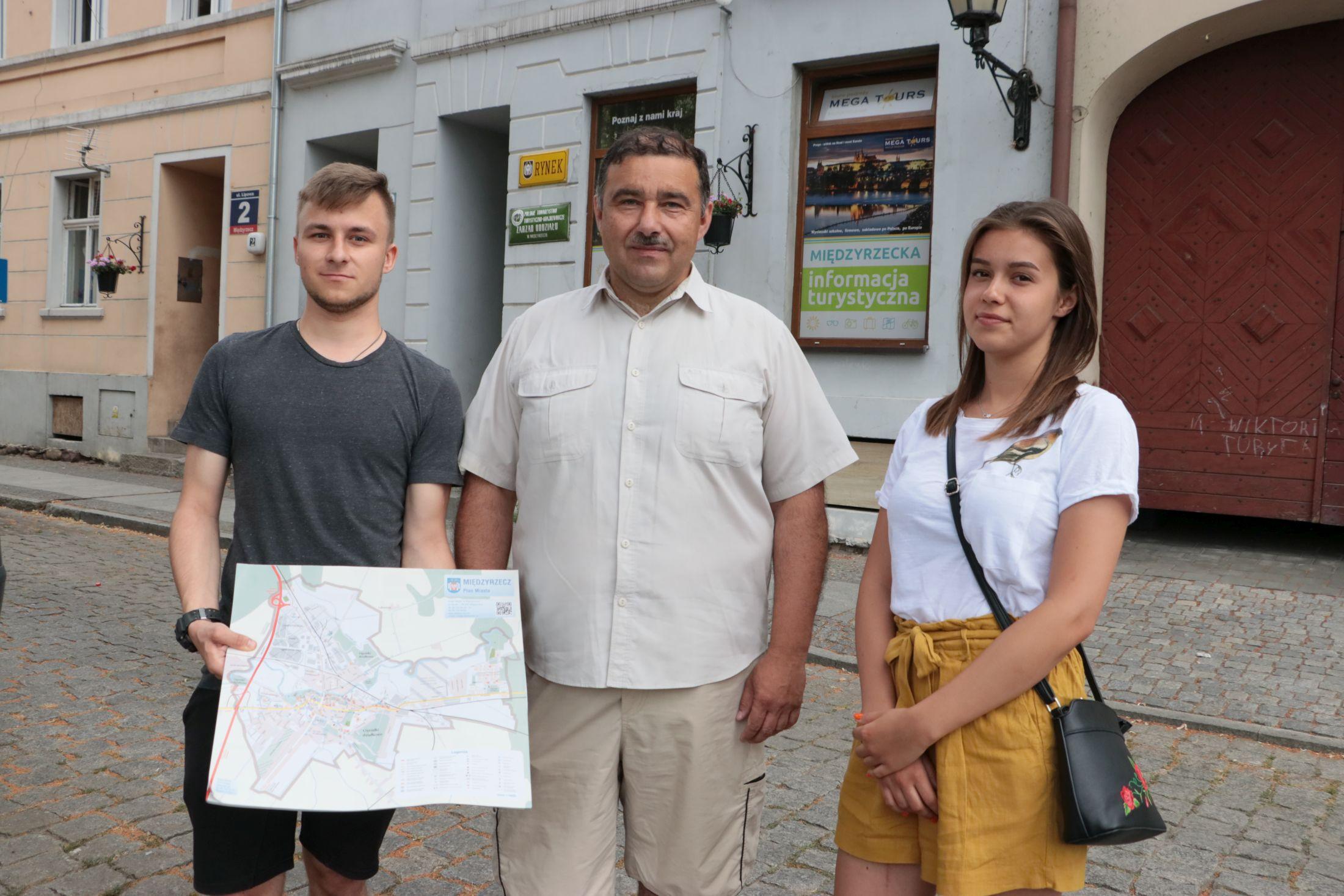 Ilustracja do informacji: Turystyczny Międzyrzecz: Otwarto Punkt Informacji Turystycznej