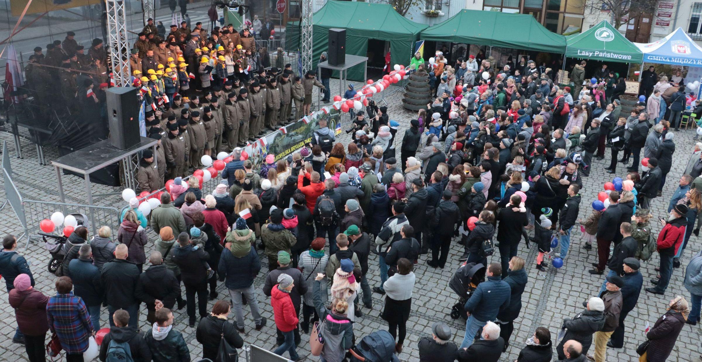 Ilustracja do informacji: Dzień radości i dumy: Obchody Narodowego Święta Niepodległości w Międzyrzeczu