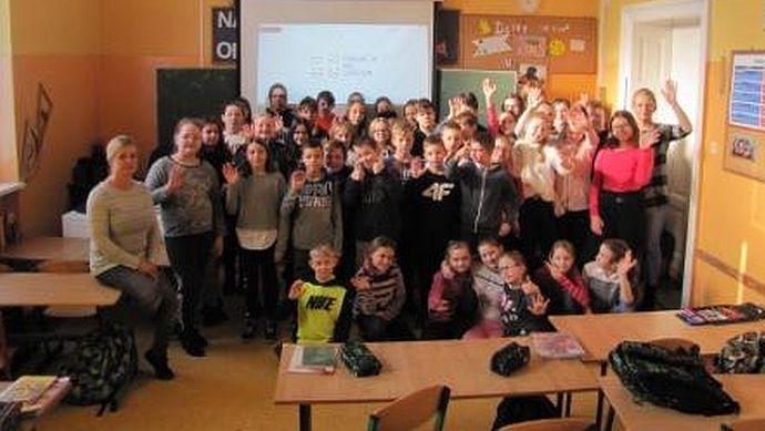 """Ilustracja do informacji: Uczniowie """"czwórki"""" pojadą na Turnus Uśmiechu"""
