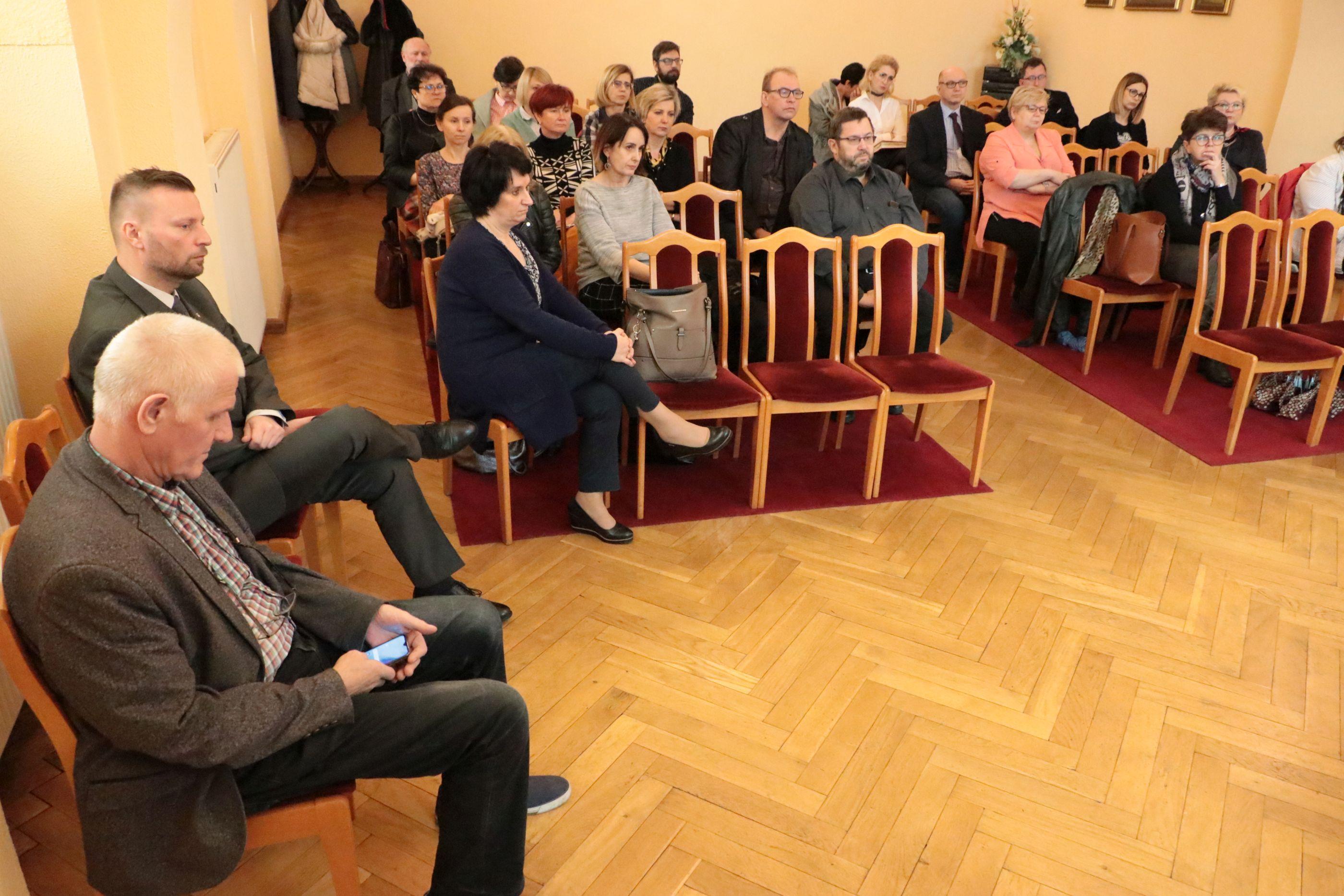 Ilustracja do informacji: Spotkanie w sprawie zagrożenia wystąpieniem koronawirusa