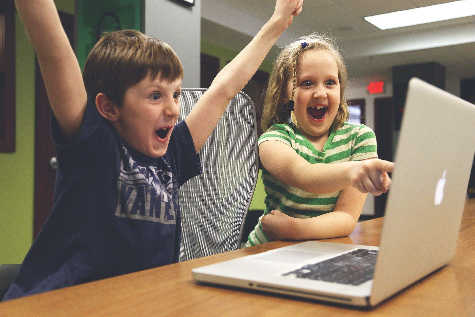 Ilustracja do informacji: Będą komputery dla uczniów podstawówek!