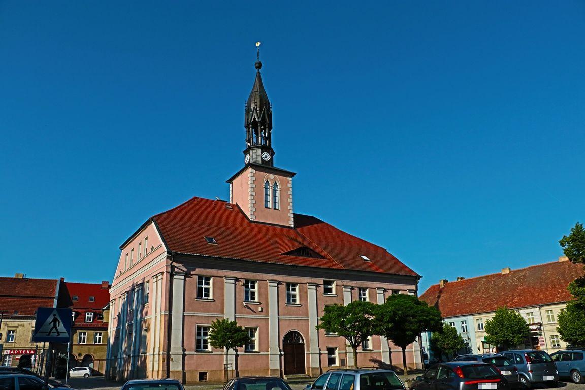 Ilustracja do informacji: Wicemarszałek Stanisław Tomczyszyn dziękuje burmistrzowi