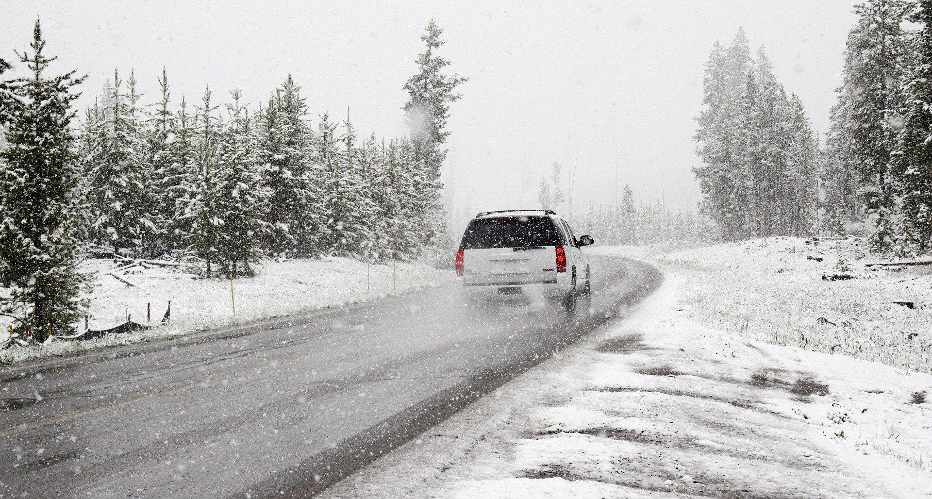 Ilustracja do informacji: Ostrzeżenie przez marznącymi opadami deszczu ze śniegiem
